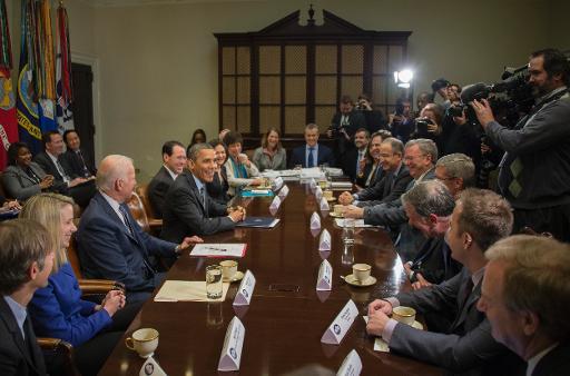 صورة لاجتماع باراك أوباما برؤوساء الشركات التقنية الكبرى بأمريكا مثل جوجل وياهو وفيسبوك وغيرهم