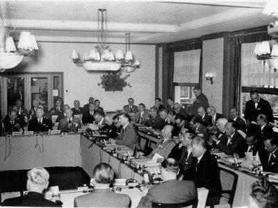ماذا تعرف عن حكومة العالم الخفية بيلدربيرغ؟ 3