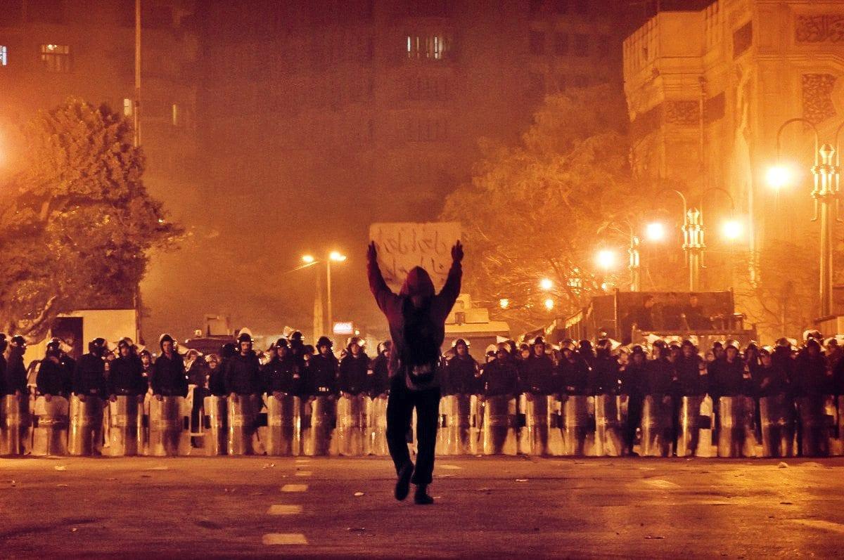 الثورة  ثورة 25 يناير الشرطة العسكرية الجيش محمد محمود العباسية مجلس الوزراء