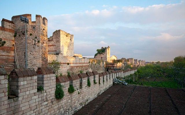 في ذكرى الحملة الصليبية الرابعة ضد بيزنطة: القسطنطينية بين فتحين 3