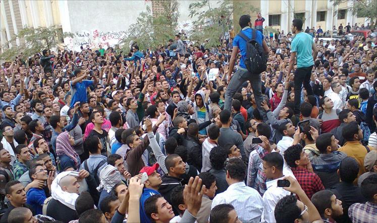 مظاهرات شباب التيار الإسلامي داخل جامعة الأزهر