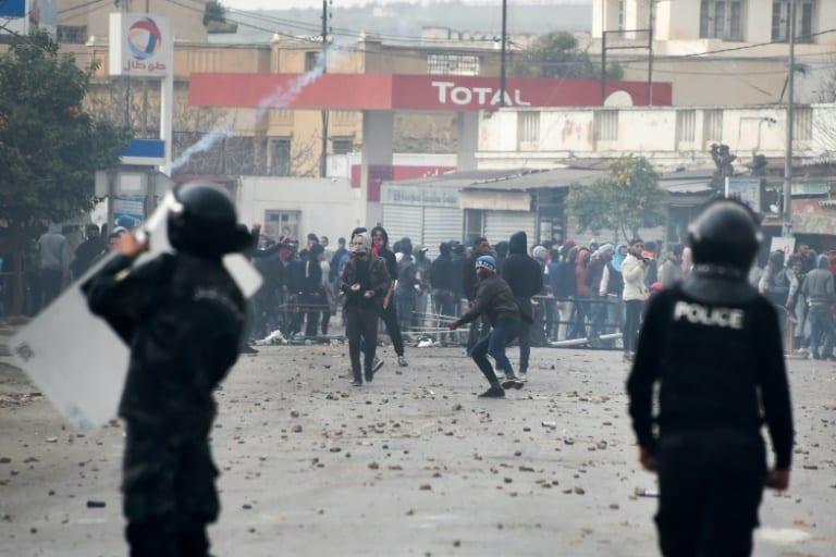 الثورة التونسية الثورة التونسية... جولة في مسار المعركة وتحدياتها 1