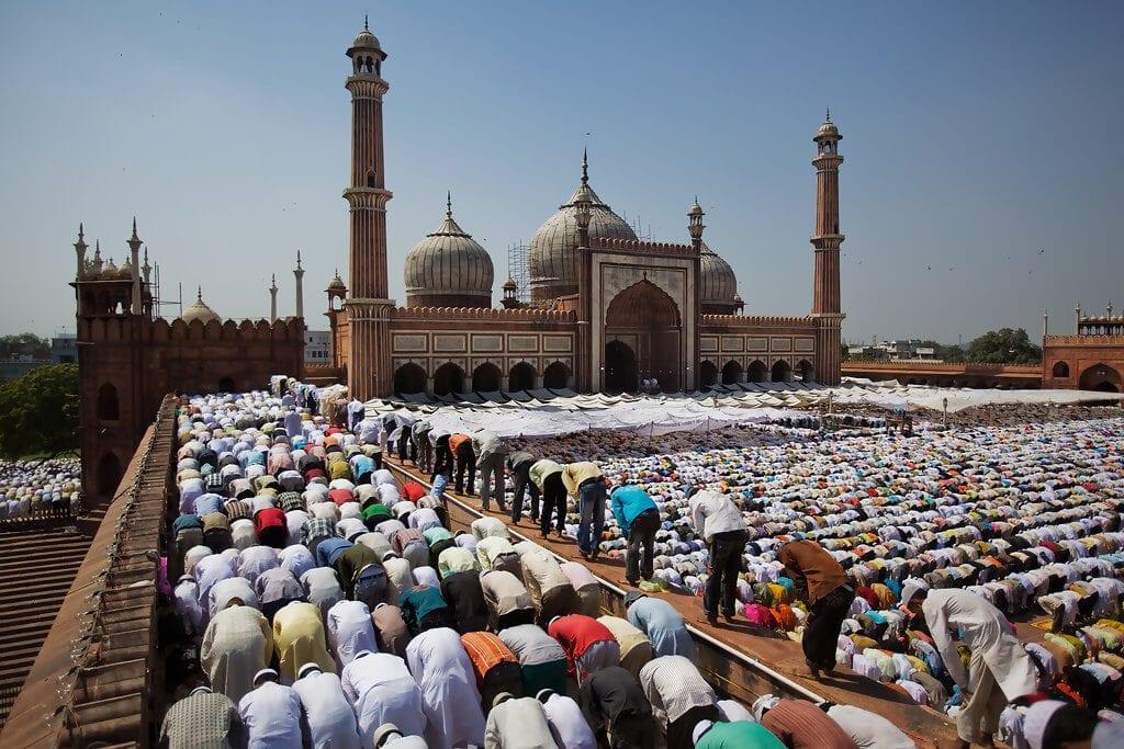 العلاقة بين المجتمع والسلطة في الدولة الإسلامية 1