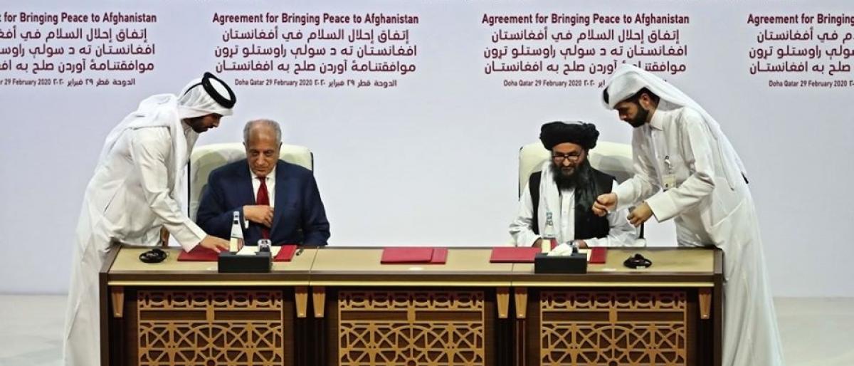 صفقة القرن.. لماذا يستأسد ترمب على الفلسطينيين ويركع أمام الأفغان؟! 1